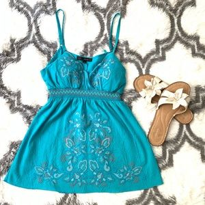 🦋SEXY🦋 TURQUOISE EMBROIDERED TANK TOP SZ L